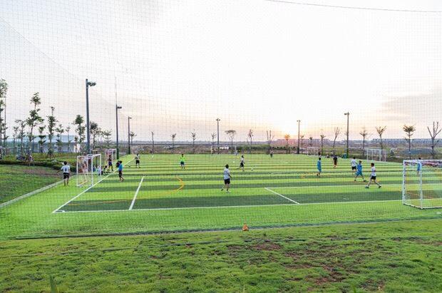 Sân bóng đá đã hoàn thiện đi vào hoạt động tại thành phố bên sông Waterpoint
