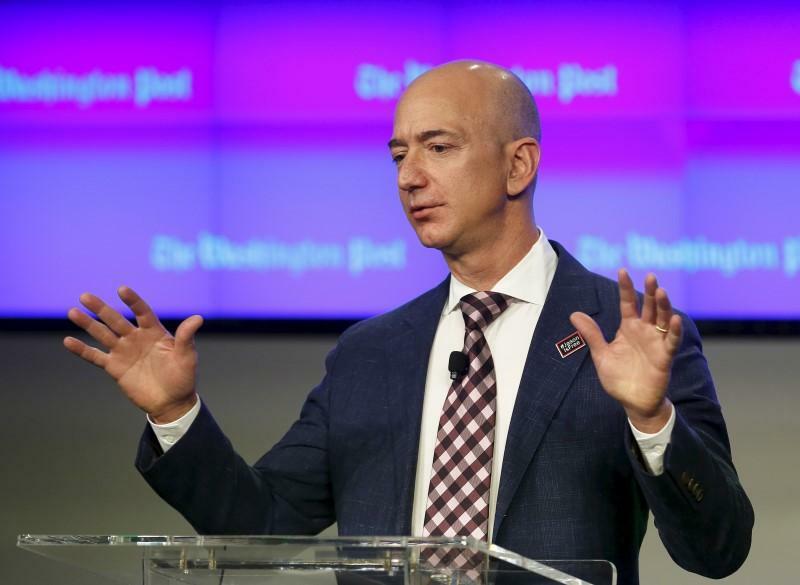 Ông chủ Amazon Jeff Bezos trong một sự kiện của công ty. Ảnh: Reuters