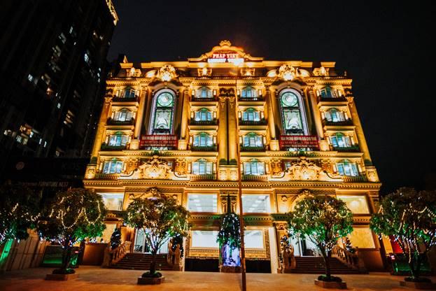 Không chỉ được tọa lạc tại trung tâm hành chính - thương mại quận 2,  tòa nhà Pháp Việt Luxury Tower còn sở hữu nhiều lợi thế riêng biệt về thiết kế và công năng sử dụng.