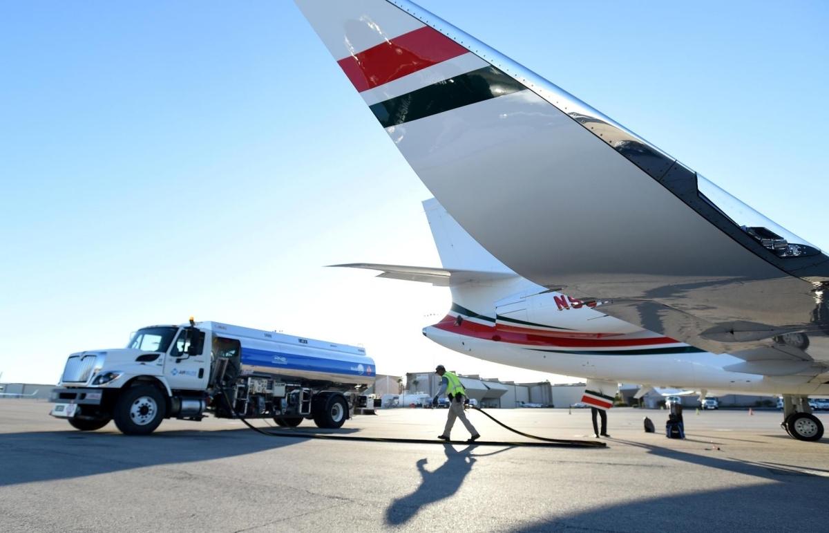 Máy bay nạp nhiên liệu tại triển lãm hàng không NBAA, Las Vegas cuối năm 2019. Ảnh: Reuters.