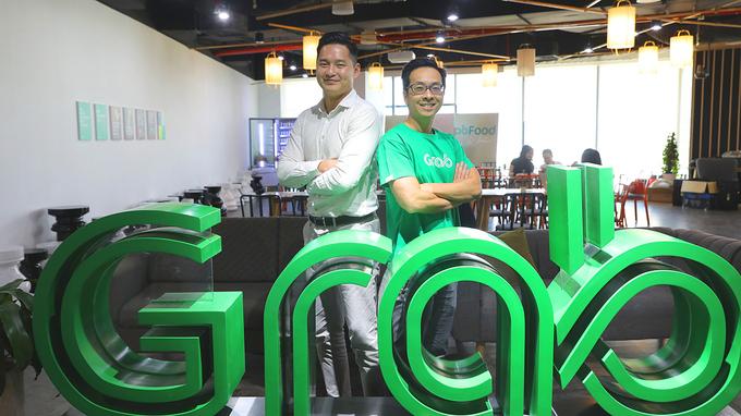 Ông Kenneth Tan - Phó chủ tịch phụ trách Đầu tư của Gobi Partners (trái).