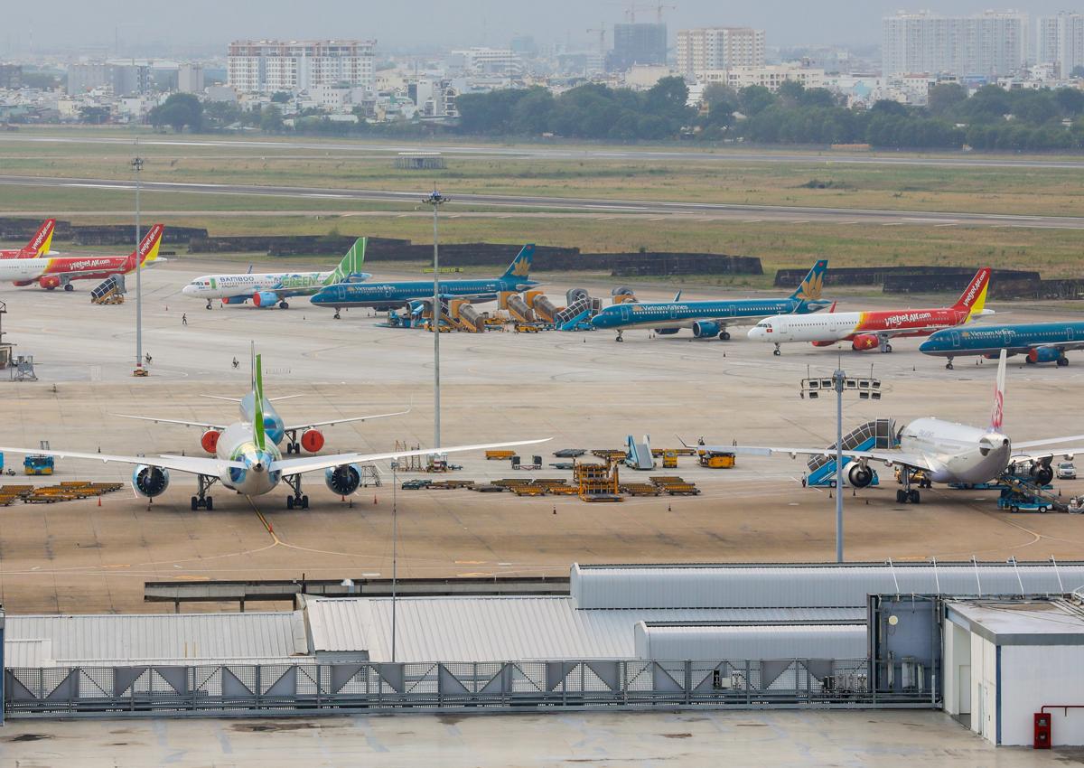 Các hãng hàng không đều bị ảnh hưởng do lượng khách sụt giảm thời điểm dịch Covid-19. Ảnh: Quỳnh Trần.
