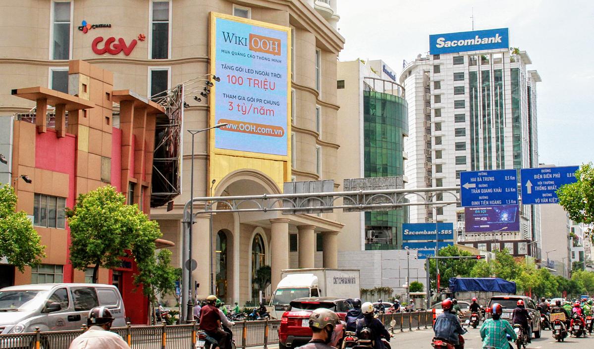 WikiOOH phối hợp Advertising Vietnam tặng 200 triệu cho doanh nghiệp đặt bảng quảng cáo ngoài trời.