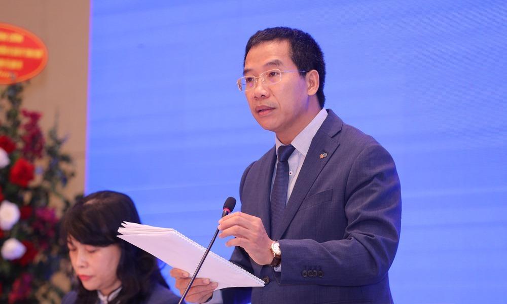 Tổng giám đốc Lưu Trung Thái phát biểu tại đại hội sáng nay. Ảnh: MB.