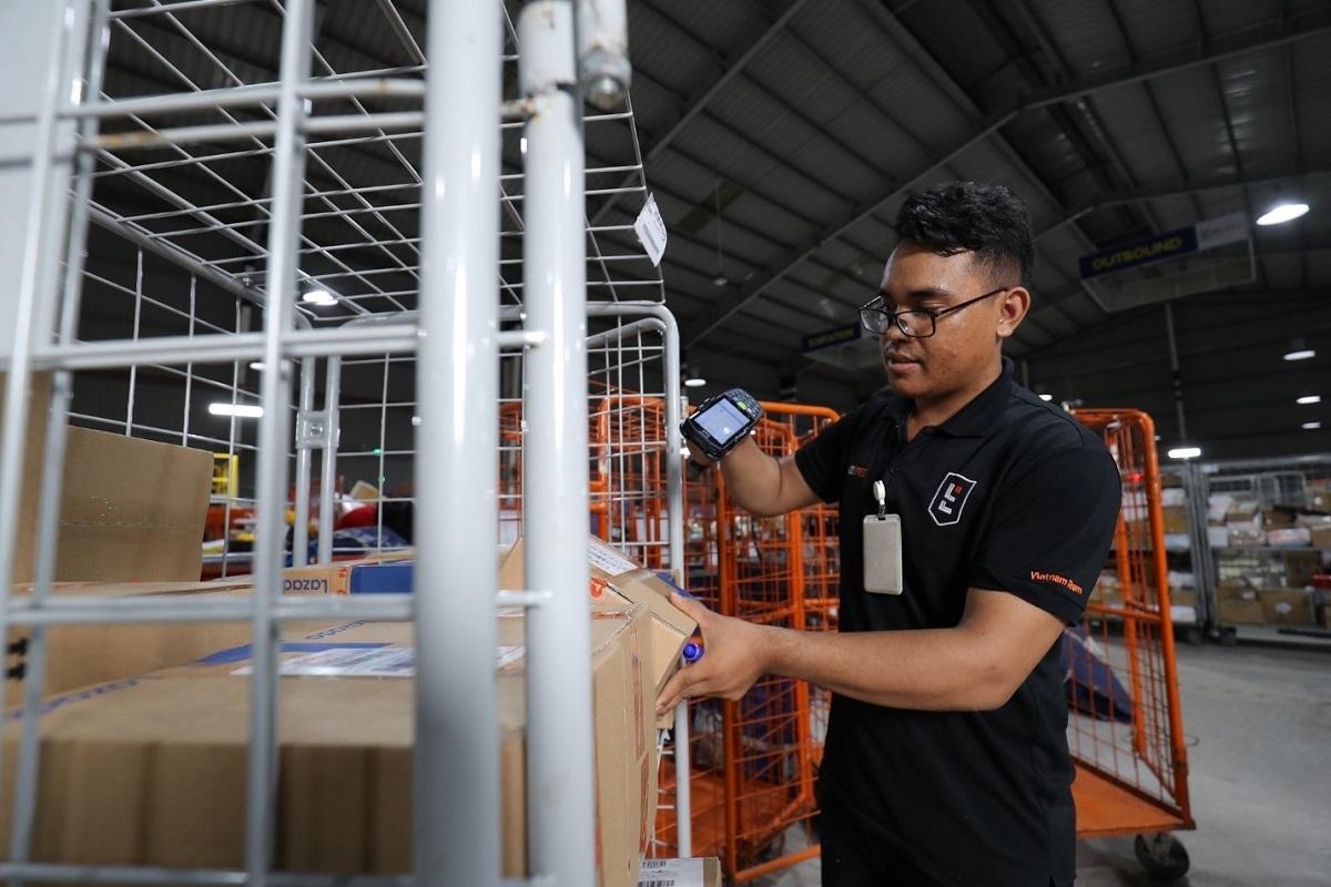 Thương mại điện tử Việt Nam đón nhận tín hiệu tích cực trong đại dịch.