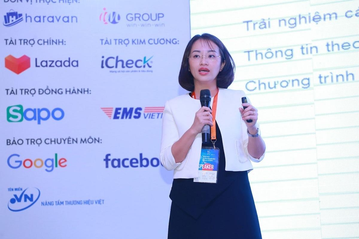 Bà Vũ Thị Ánh Tuyết - Chánh Văn phòng Lazada Việt Nam trình bày tại Diễn đàn Toàn cảnh Thương mại điện tử Việt Nam 2020.
