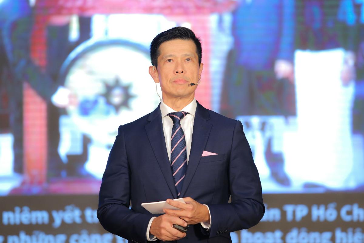 ÔngBennett Neo, Tổng giám đốc Sabeco, phát biểu tối ngày 25/6. Ảnh: Minh Hà