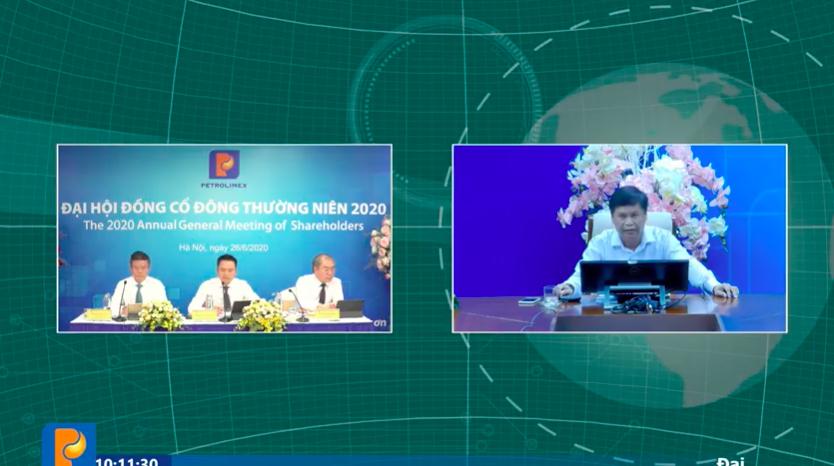 Cổ đông đặt câu hỏi trực tuyến với ban lãnh đạo Petrolimex tại cuộc họp Đại hội đồng cổ đông trực tuyến năm 2020. Ảnh chụp màn hình