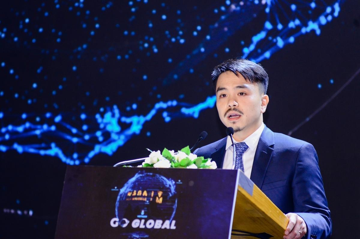 Ông Danny Le phát biểu tại phiên họp thường niên chiều 29/6. Ảnh: MSR.