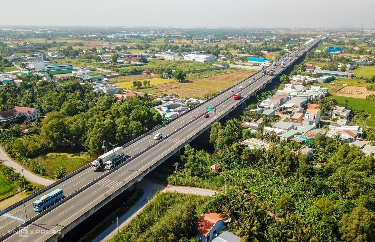 Cao tốc TP HCM - Trung Lương đoạn qua huyện Bình Chánh. Ảnh: Quỳnh Trần