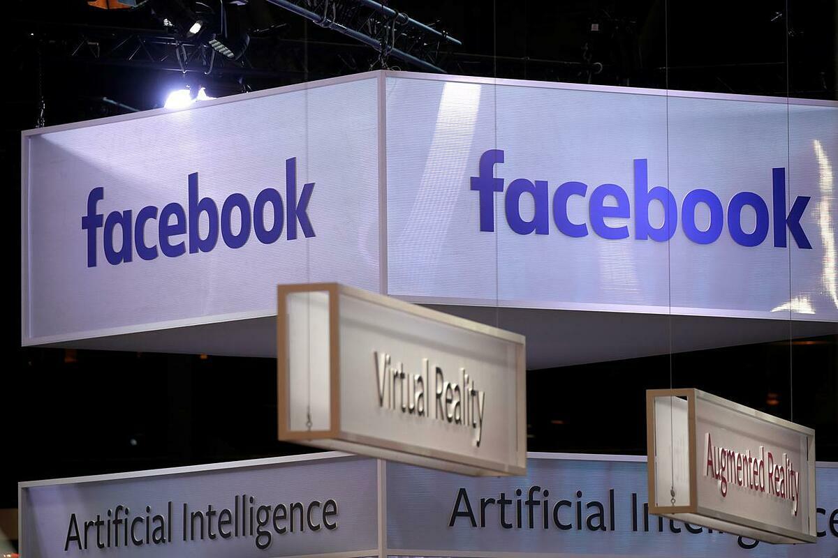 Logo Facebook tại một sự kiện ở Paris năm ngoái. Ảnh: Reuters