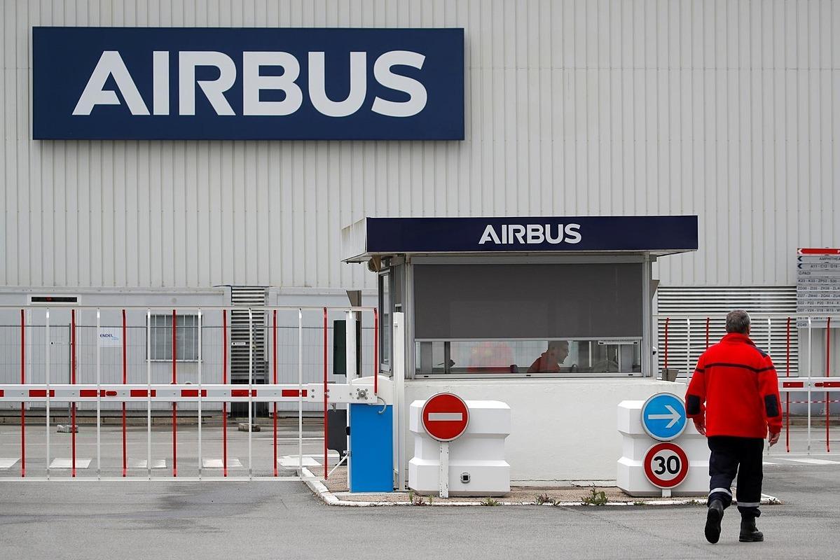 Nhà máy Airbus tại Bouguenais, gần Nantes, Pháp vào hôm 27/4. Ảnh: Reuters