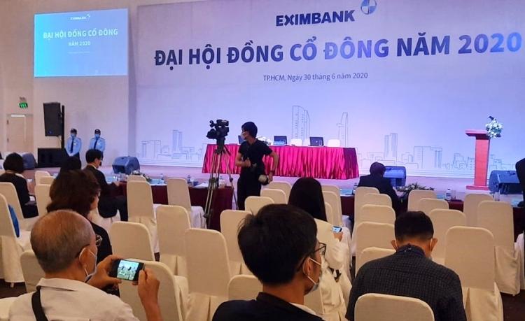 Hội trường tổ chức phiên họp thường niên sáng 30/6 của Eximbank. Ảnh: (Chị bổ sung hộ em)