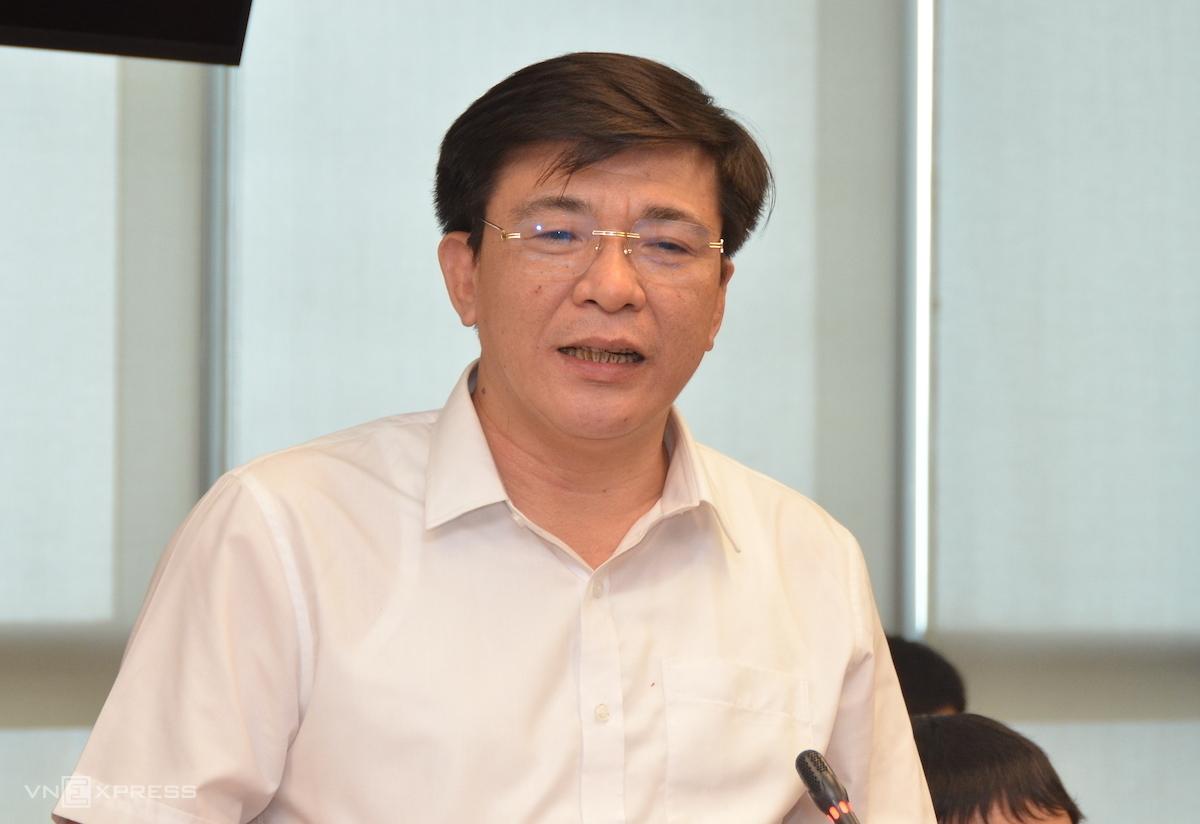 Ông Lê Văn Trang - Phó tổng giám đốc EVNNPC phát biểu tại buổi làm việc chiều 30/6. Ảnh: H.Thu