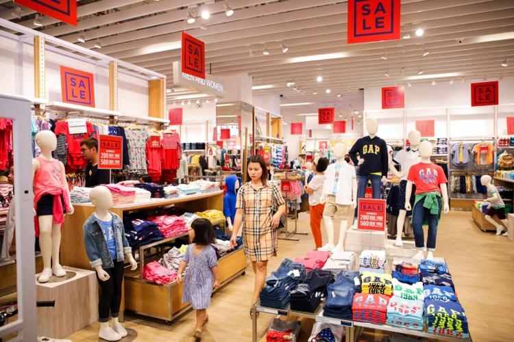 Lễ hội mua sắm Đỏ Vincom 2020 thu hút nhiều thương hiệu nổi tiếng.