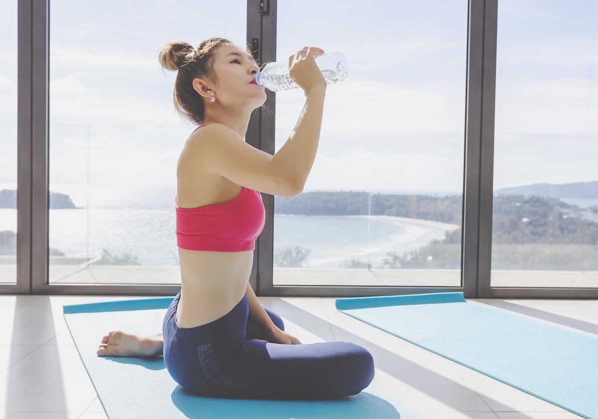 Bù đủ nước sẽ giúp quá trình tập thể thao hiệu quả hơn.