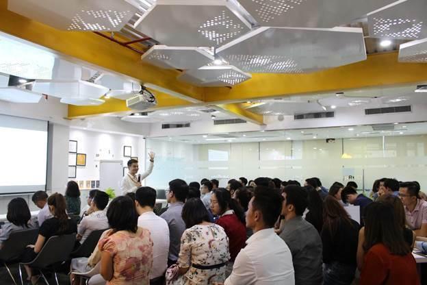 Ông Phạm Thiên Quang chia sẻ trong một khóa học dành cho nhà đầu tư tại TP HCM năm 2019.