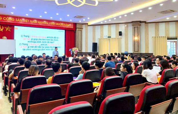 Chương trình Con đường kiến tạo sức khỏe tài chính và an tâm đầu tư tại Hà Nội vào tháng 6/2020.