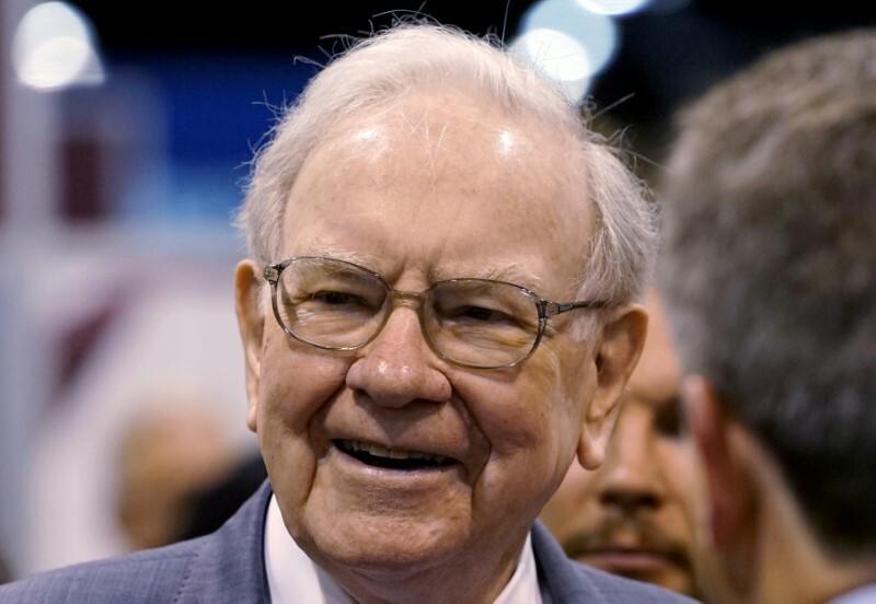 Tỷ phú đầu tư Warren Buffett trong một sự kiện. Ảnh: Reuters