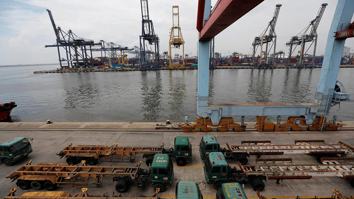 Một góc cảng Tanjung Priok port tại Jakarta, Indonesia. Ảnh: Reuters