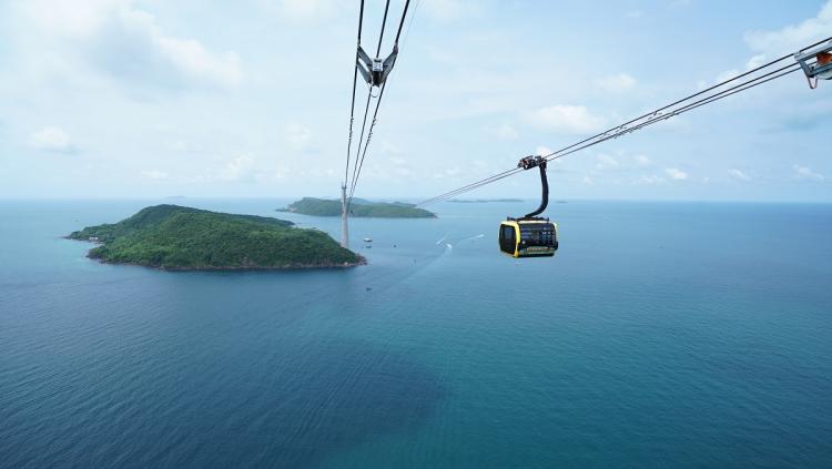 Cáp treo Hòn Thơm hút khách tới Nam đảo Phú Quốc.