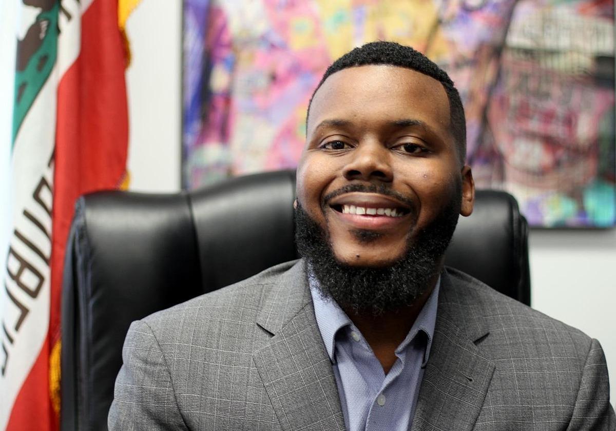 Thị trưởng Stockton Michael Tubbs. Ảnh: Reuters