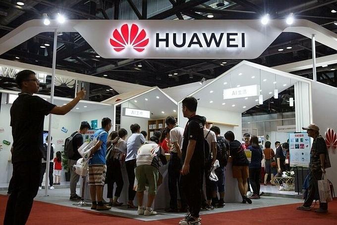 Gian hàng của Huawei tại một triển lãm ở Bắc Kinh hồi tháng 8/2019. Ảnh: Reuters