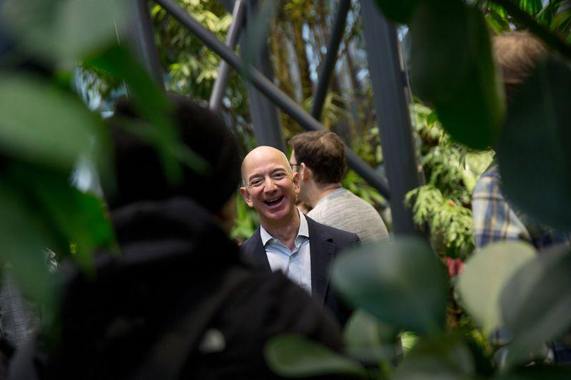 Người giàu nhất thế giới Jeff Bezos. Ảnh: Bloomberg