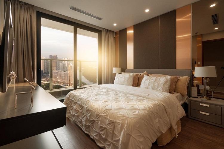 Để đảm bảo tính thẩm mỹ, tất cả căn hộ trang bị hệ thống máy lạnh âm trần đa điểm Daikin chất lượng Nhật Bản.
