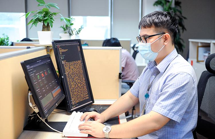Một kỹ sư của Tổng Công ty Mạng lưới Viettel.