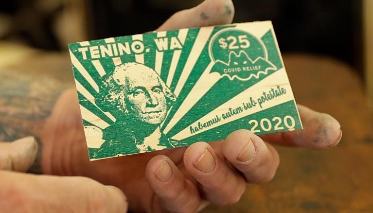 Tờ tiền bằng gỗ của Tenino. Ảnh: Ted S. Warrenzap