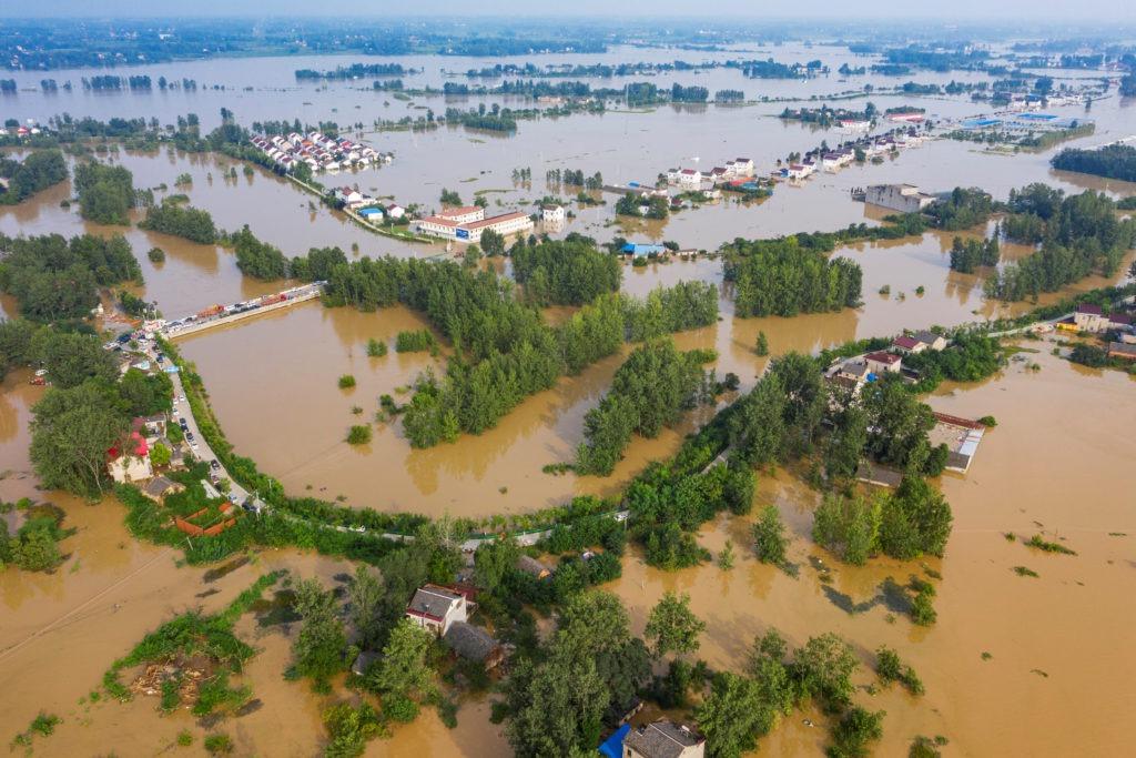 Ngập lụt tại tỉnh An Huy, ngày 20/7. Ảnh: Reuters