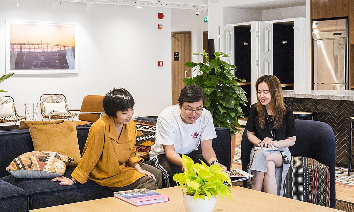 Lao động trẻ làm việc trong một văn phòng chia sẻ tại quận 1, TP HCM. Ảnh: WeWork Việt Nam