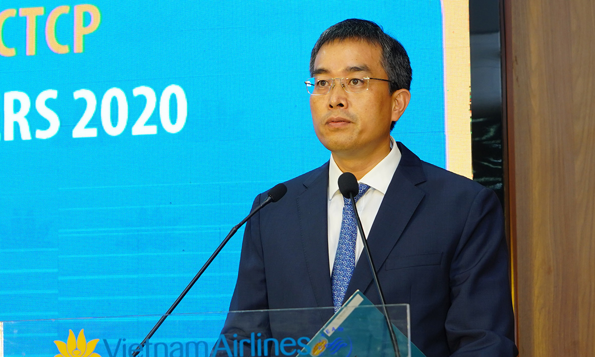 Ông Đặng Ngọc Hoà phát biểu sau khi được bầu làm Chủ tịch Vietnam Airlines sáng 10/8. Ảnh: VNA