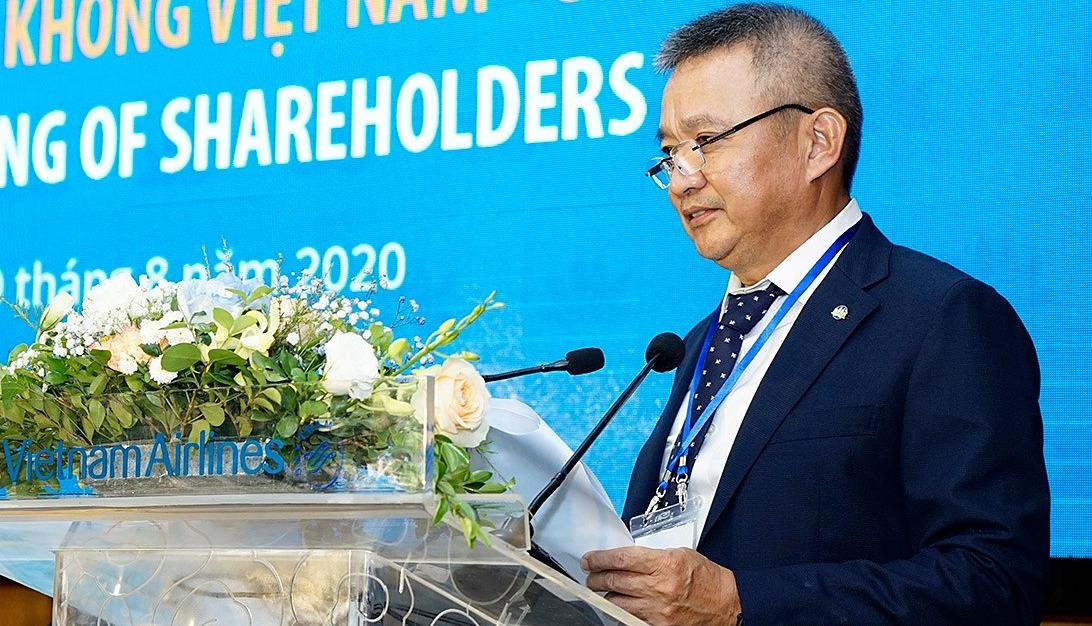 Ông Dương Trí Thành - CEO Vietnam Airlines chia sẻ với các cổ đông tại phiên họp thường niên 2020 sáng 10/8. Ảnh: VNA.
