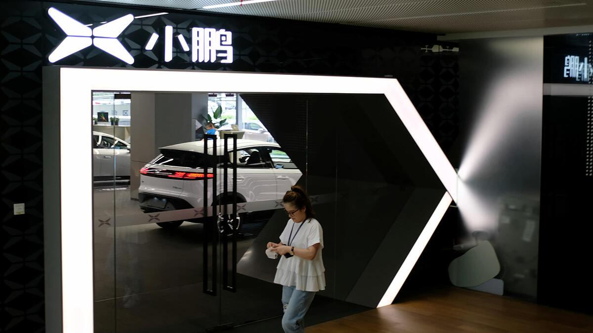 Một showroom của Xpeng Motors tại trụ sở chính của công ty ở Quảng Châu, Trung Quốc. Ảnh: Reưters