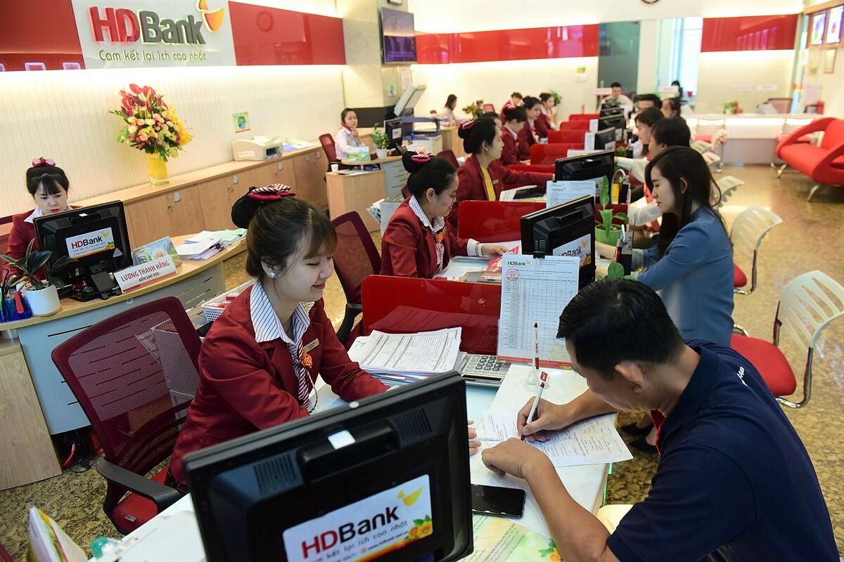 HDBank là một trong những ngân hàng đang đầu tư mạnh cho các chương trình ưu đãi người gửi tiền tiết kiệm.