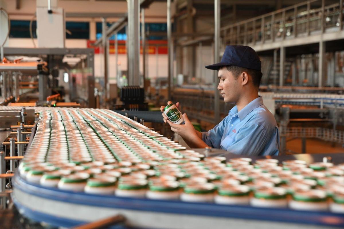 Bên trong nhà máy sản xuất bia Sabeco. Ảnh: Website Sabeco.