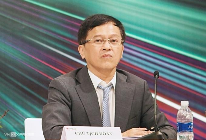 Ông Nguyễn Đức Vinh, Tổng giám đốc VPBank tại phiên họp thường niên ngày 29/5. Ảnh: Minh Sơn.