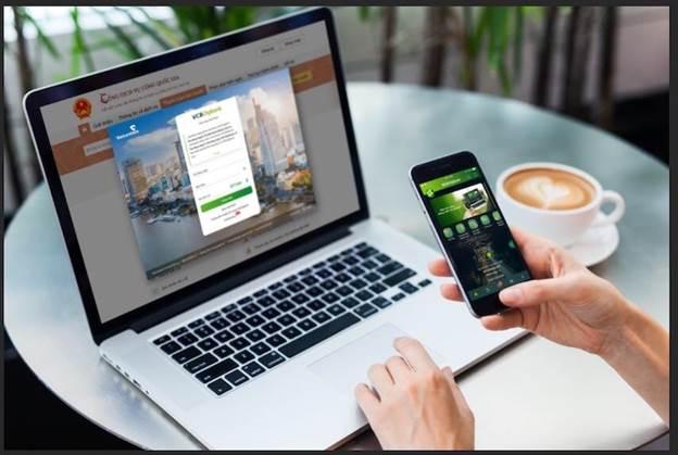 Vietcombank cung cấp dịch vụ để các khách hàng trải nghiệm ngay tại buổi Lễ khai trương và công bố dịch vụ công thứ 1.000 trên Cổng dịch vụ công quốc gia. Ảnh: Vietcombank