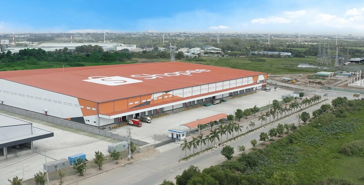 Kho hàng thứ ba của Shopee tại khu công nghiệp Tân Phú Trung, Củ Chi, TP HCM. Ảnh: Shopee.