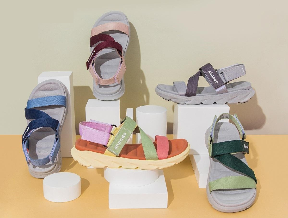 Một số mẫu sandals đang được ưa chuộng. Ảnh: Shondo.