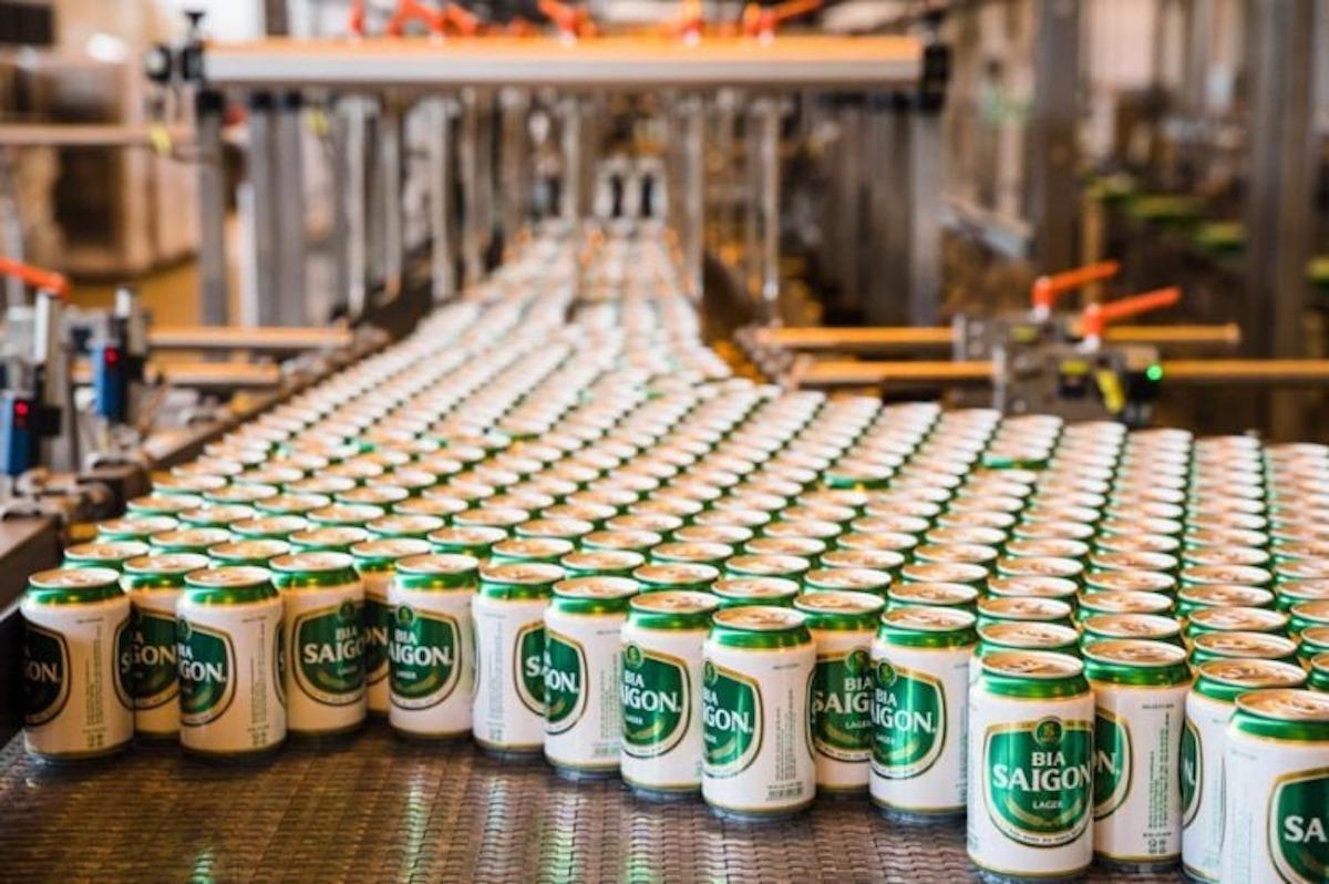Dây chuyền sản xuất bia lon tại Tổng công ty Bia, rượu, nước giải khát Sài Gòn. Ảnh: Sabeco.