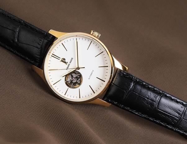 Philippe Auguste PA5004C mang phong cách lịch lãm, tinh tế, có thể kết hợp với nhiều trang phục và phong cách khác nhau.