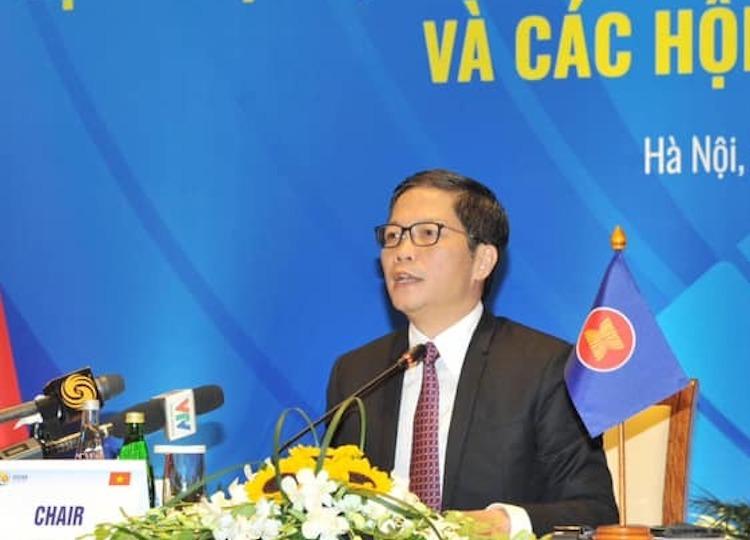 Ông Trần Tuấn Anh - Bộ trưởng Công Thương trả lời câu hỏi của báo giới tại họp báo ngày 30/8. Ảnh: Anh Minh