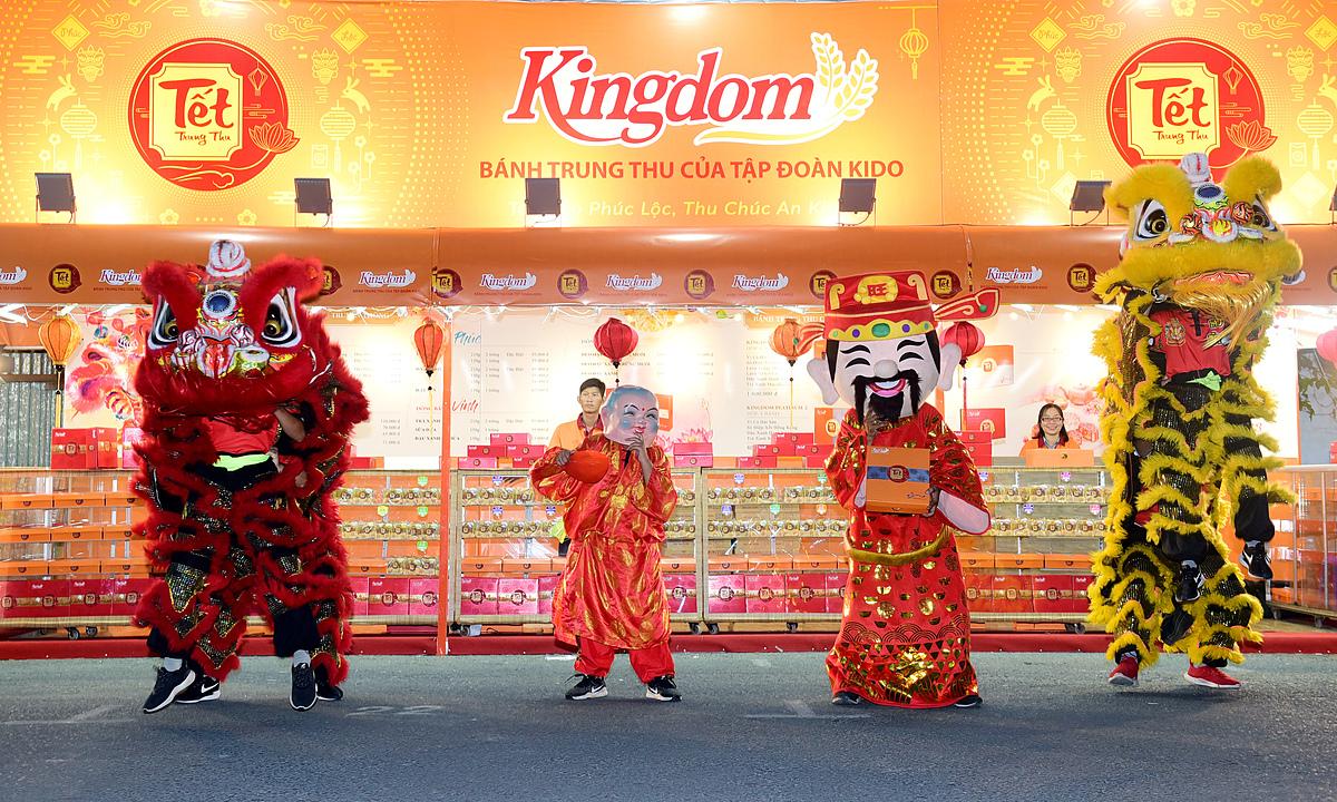 Gian hàng bánh trung thu thương hiệu Kingdom khai trương hôm 21/8 Ảnh: KIDO.