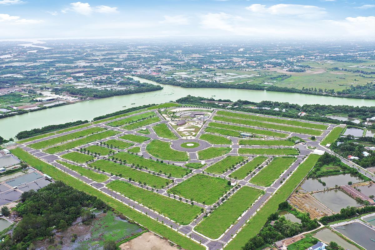 Saigon Riverpark ôm trọn 500 m bờ sông Cần Giuộc đã hoàn thiện cơ sở hạ tầng.