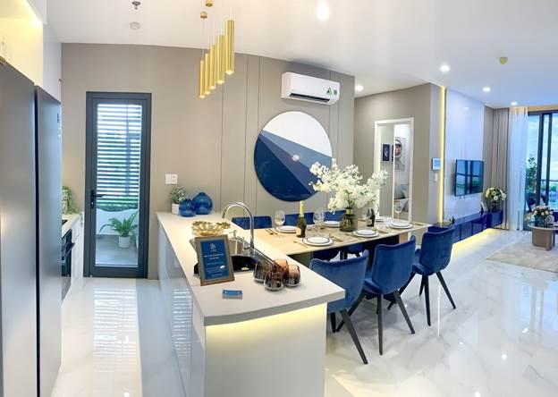 Dự án bàn giao căn hộ hoàn thiện cơ bản với nội thất cao cấp.