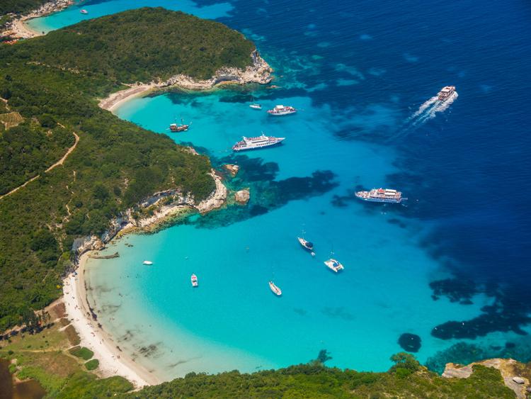 Bất động sản đảo đặc biệt thu hút giới siêu giàu bởi hệ sinh thái trù phú và môi trường trong lành.