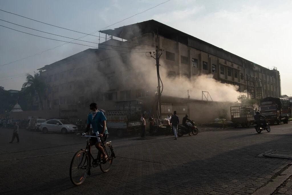 Một góc khu công nghiệp ở Surat, Ấn Độ, Ảnh: NYT